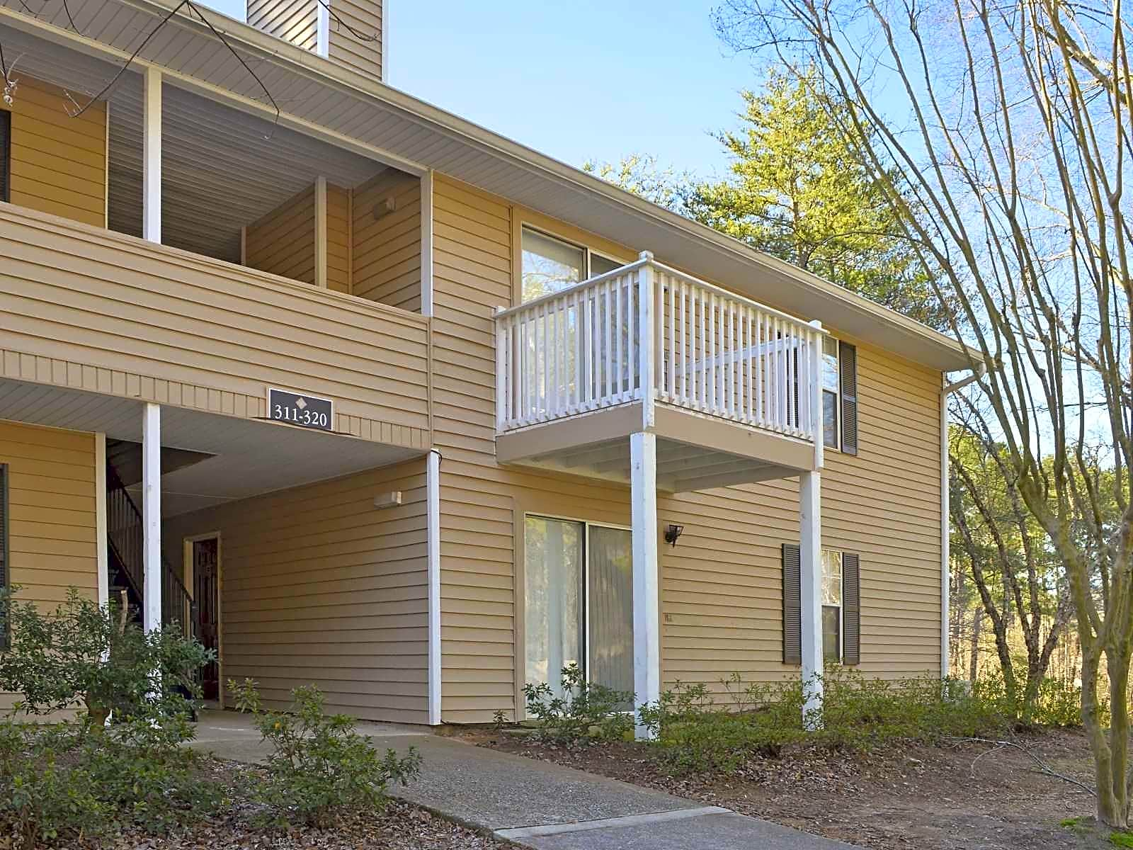 Apartments Near Clayton  State Hampton Downs for Clayton  State University Students in Morrow, GA