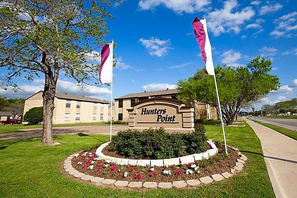 Apartments Near Texas A&M Hunters Point Apartments for Texas A&M University Students in College Station, TX