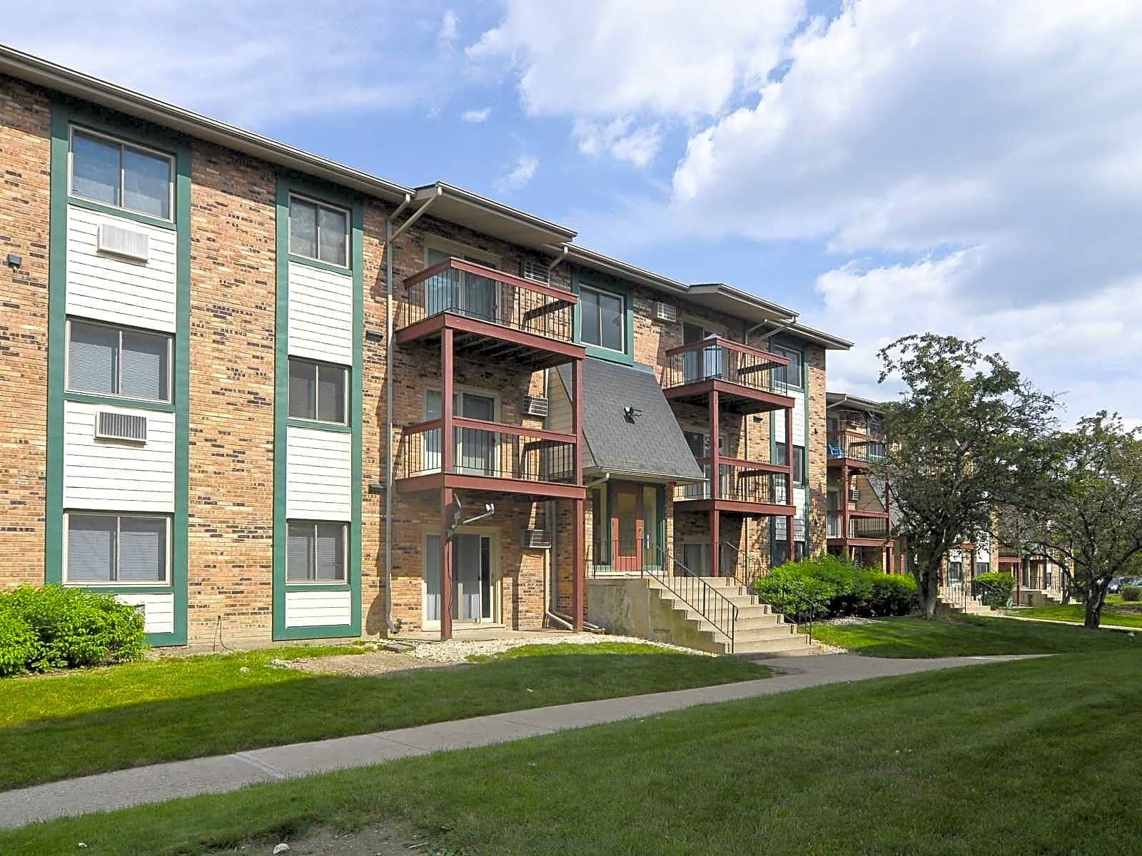 Olympic Village Apartments - Chicago Heights, IL 60411