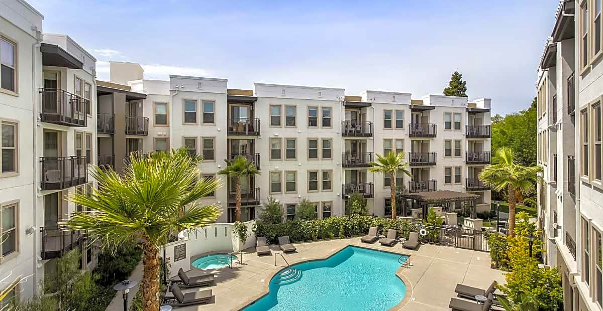 Apartments Near Stanford Oakwood Residence Redwood City for Stanford University Students in Stanford, CA