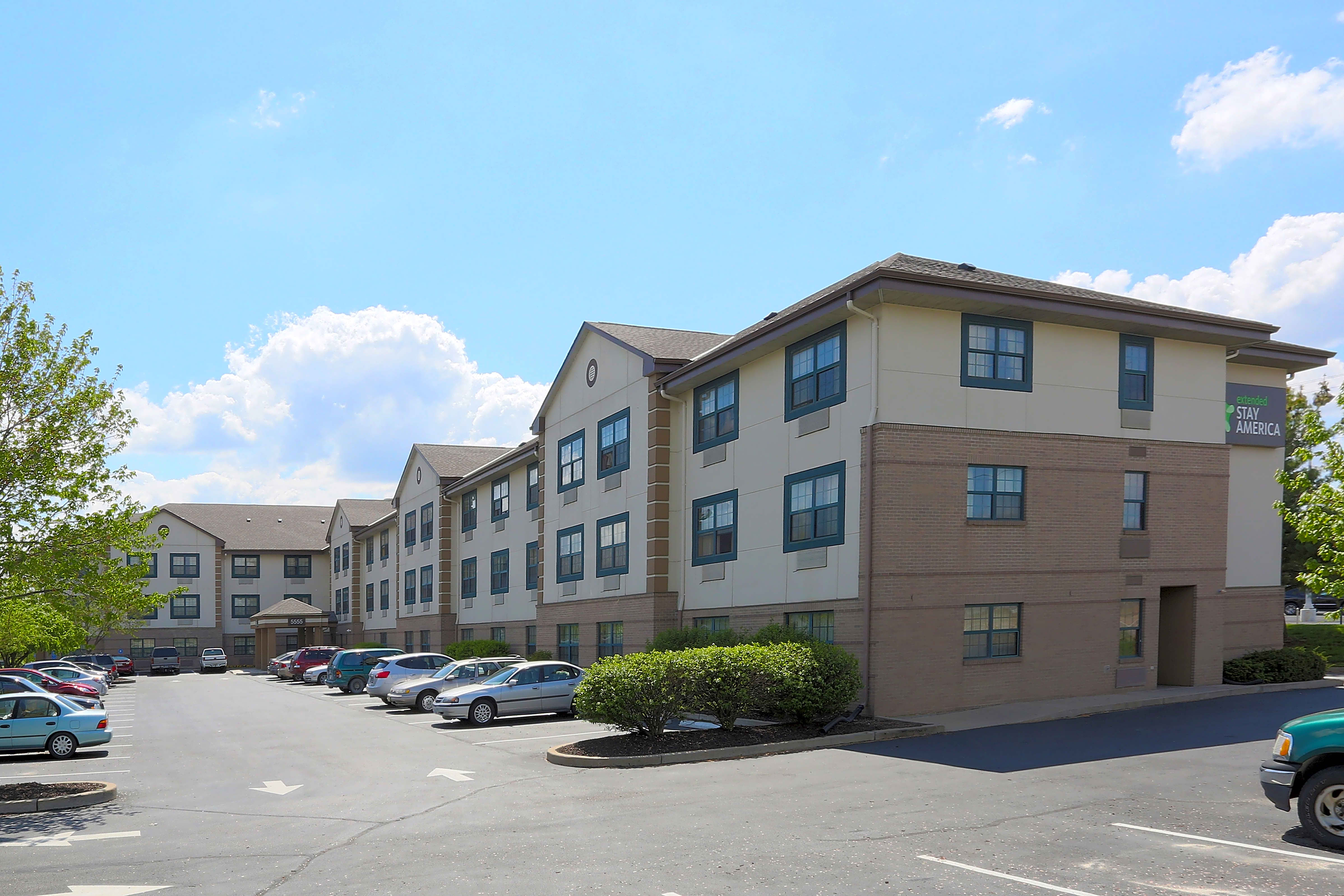 Apartments Near Lindenwood Furnished Studio - St. Louis - St. Peters for Lindenwood University Students in Saint Charles, MO
