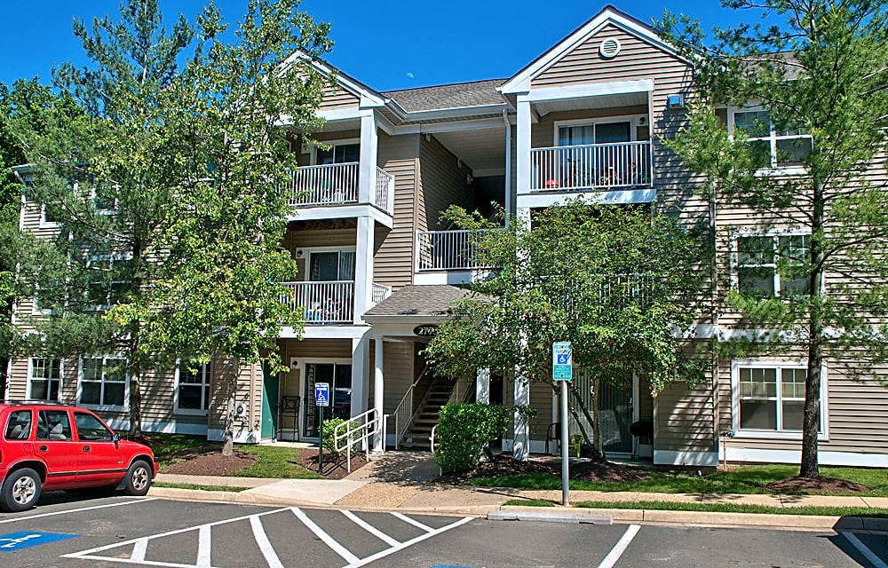 Riverwoods Apartments