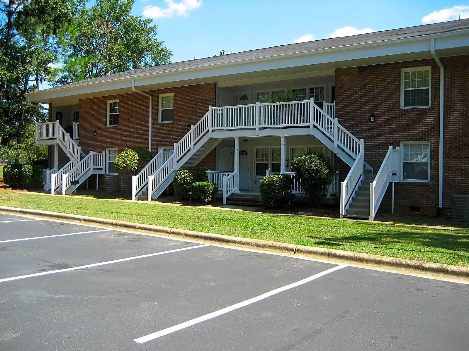 Apartments Near Shaw Shamrock Apartments for Shaw University Students in Raleigh, NC