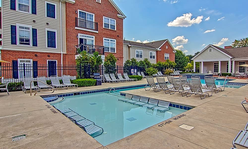 Apartments Near Lourdes Chelsea Place for Lourdes College Students in Sylvania, OH