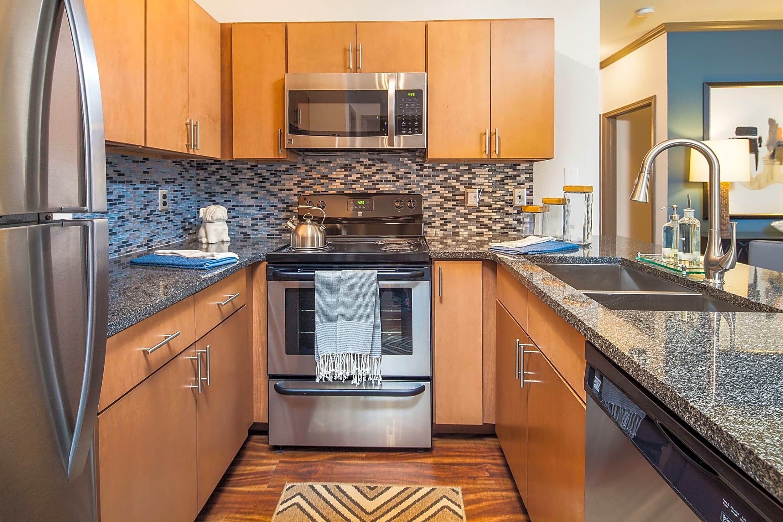 The Oaks by Cortland Apartments - Charlotte, NC 28269