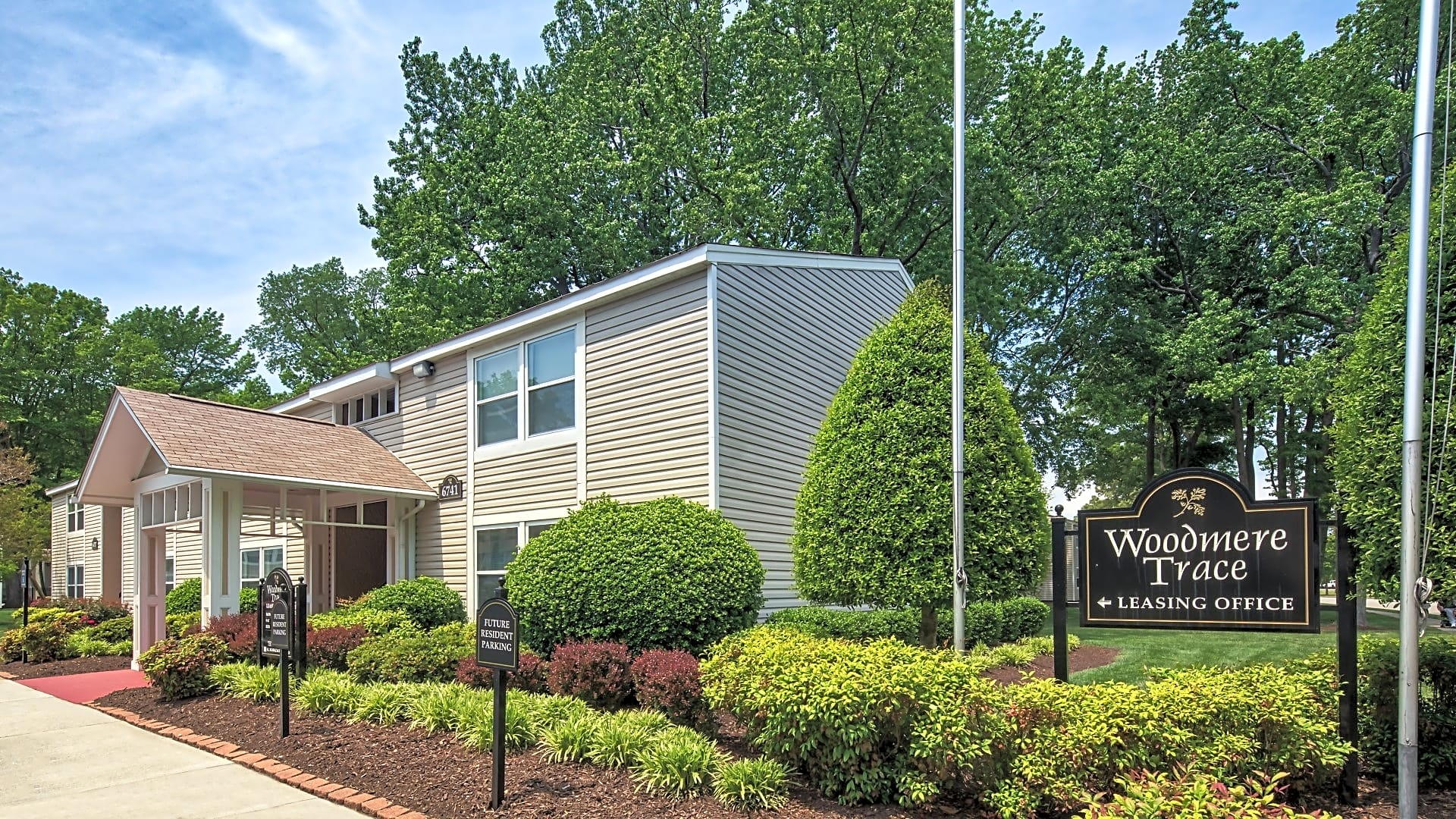 Welcome to Woodmere Trace!