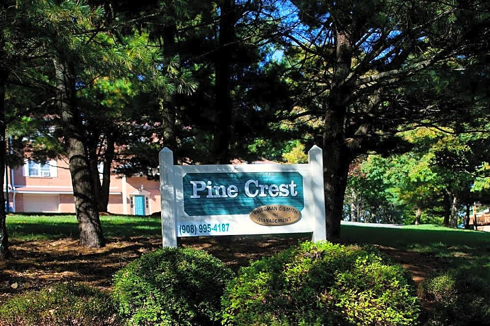 Apartments Near Lafayette Pine Crest Apartments - NJ for Lafayette College Students in Easton, PA