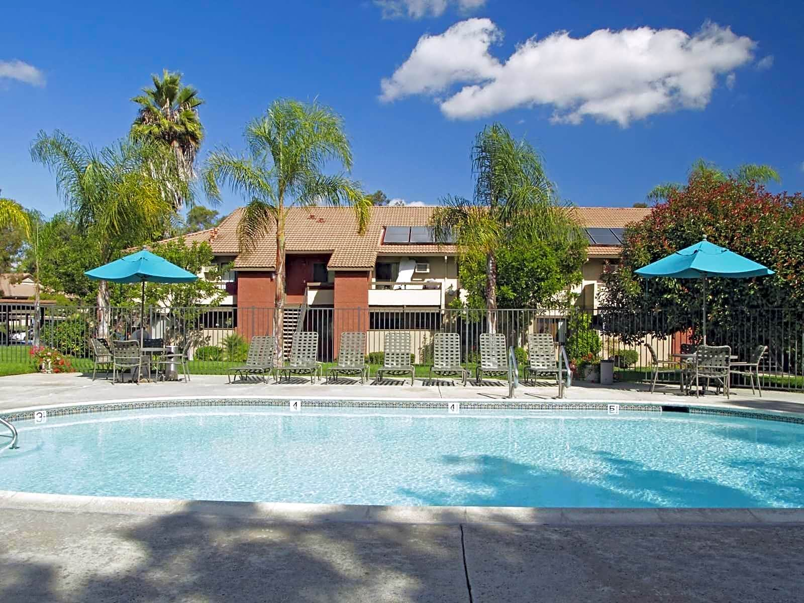 Apartments Near Cal State San Marcos Shadowridge Village for Cal State San Marcos Students in San Marcos, CA