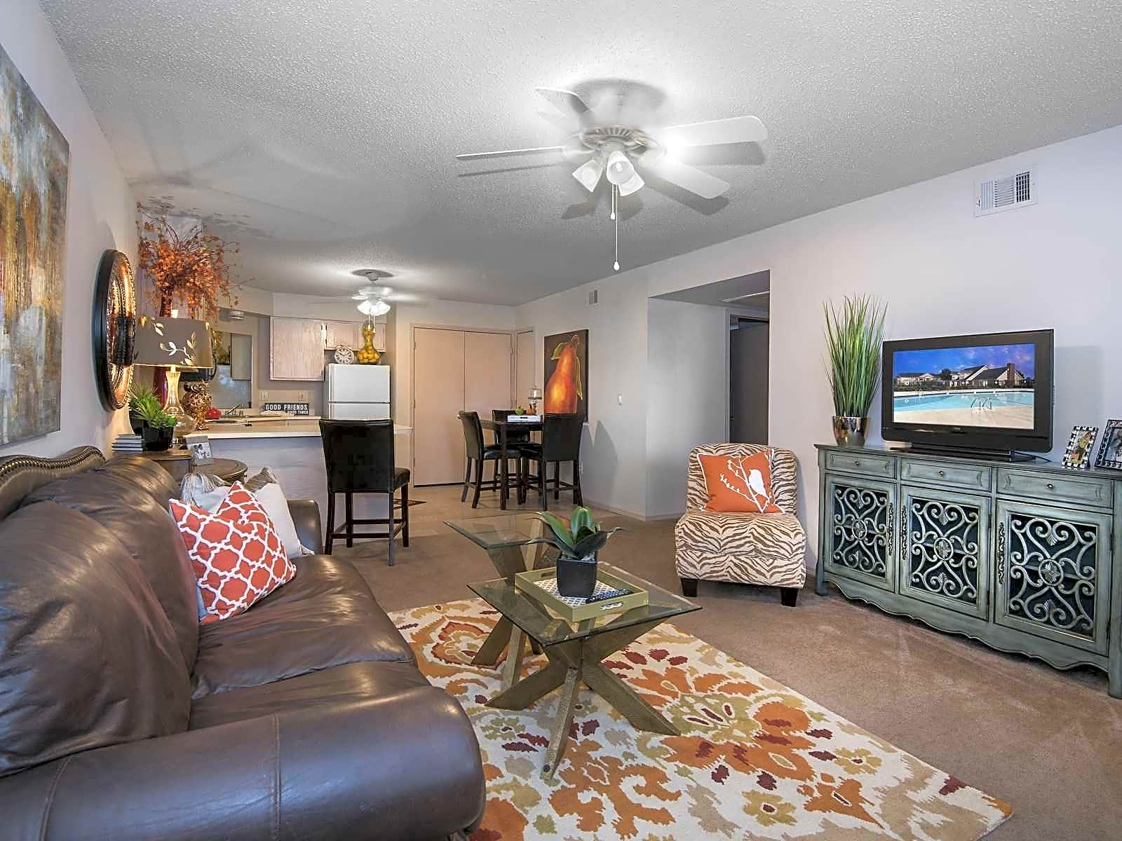 Apartments Near Hendrix Centennial Valley I/II for Hendrix College Students in Conway, AR