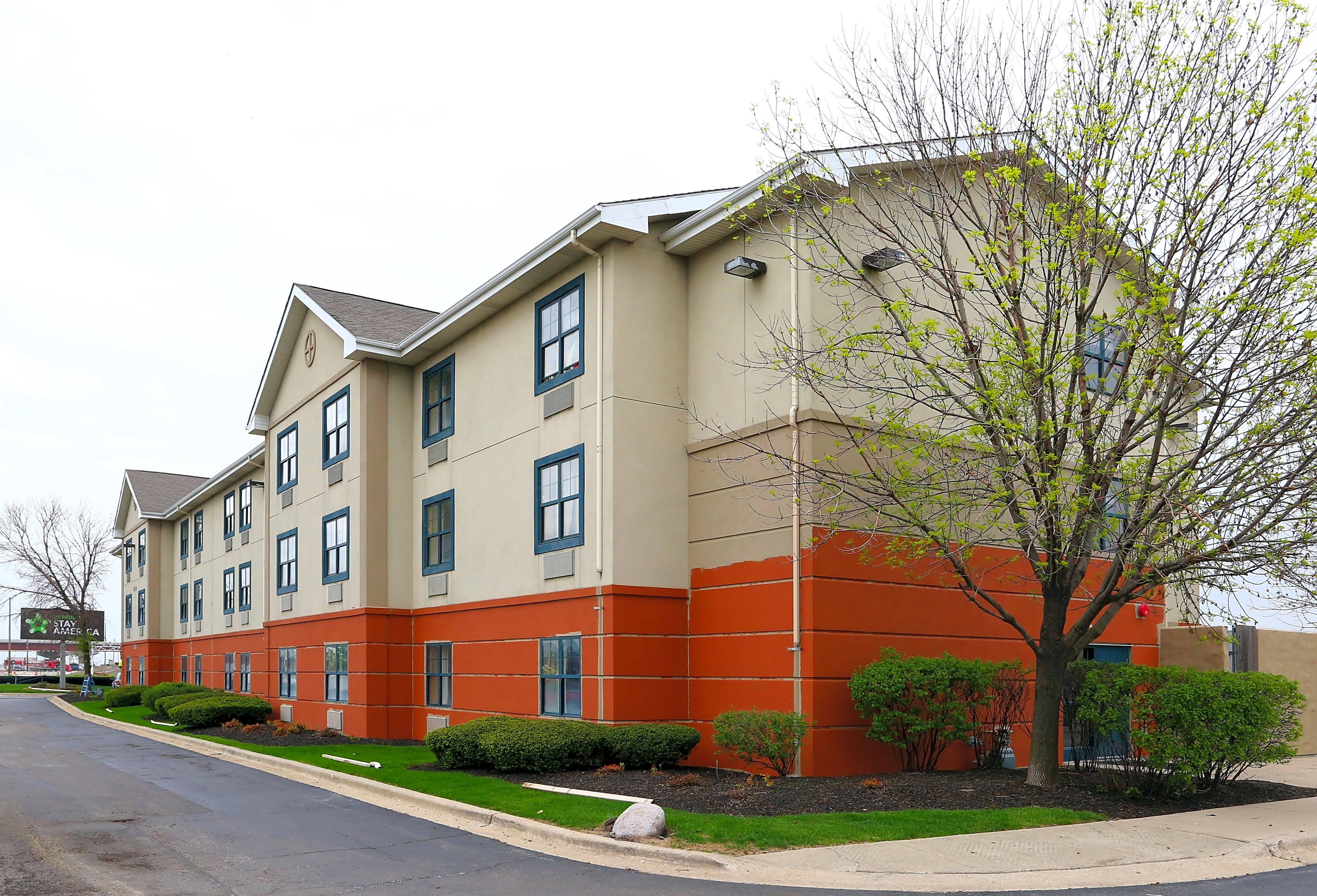 Apartments Near DeVry Furnished Studio - Chicago - Itasca for DeVry University Students in Addison, IL