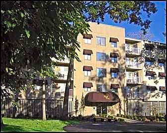 Apartments Near Lourdes Regal Oaks for Lourdes College Students in Sylvania, OH