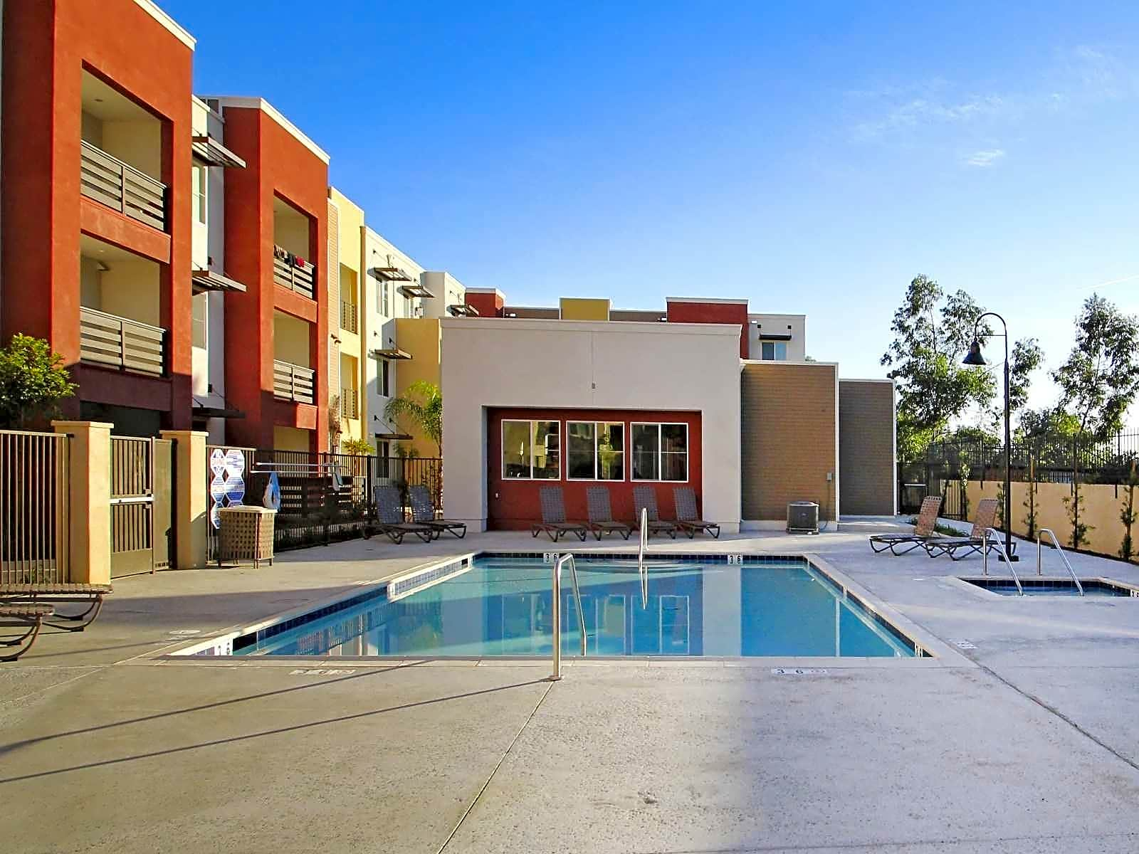 Apartments Near LLU 807 West for Loma Linda University Students in Loma Linda, CA
