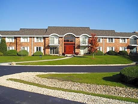 Huntington Condominiums for rent in Naperville