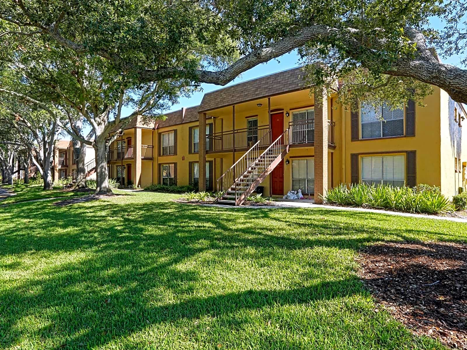 St Charles Row Apartments St Petersburg Florida