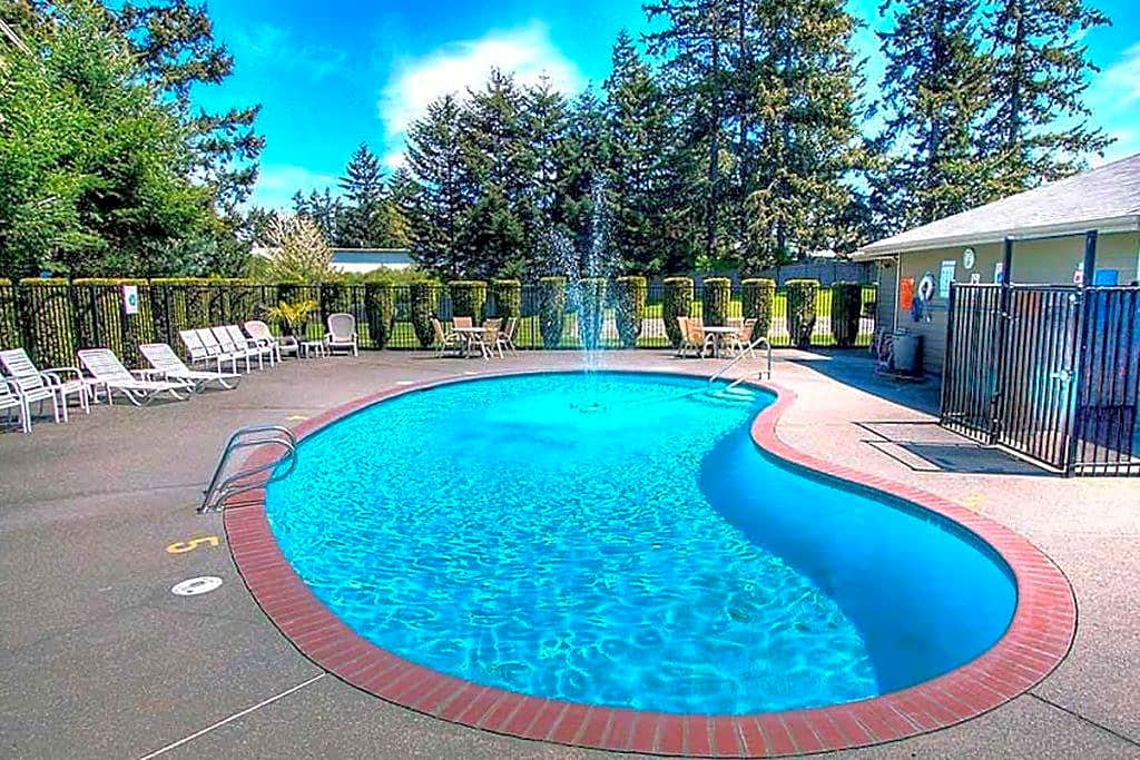 Apartments Near PLU Heatherstone for Pacific Lutheran University Students in Tacoma, WA