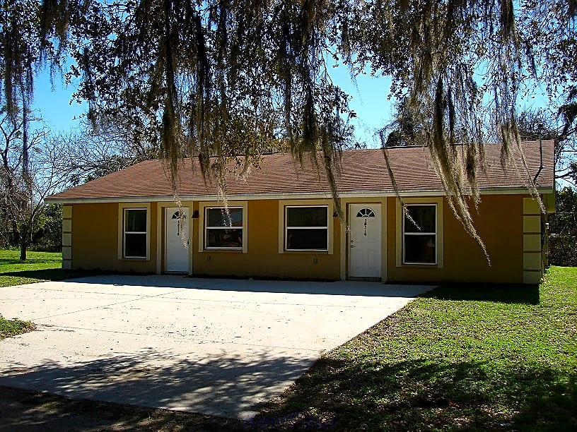 Dade city duplexes for rent in dade city florida fl for 3 bedroom duplex for rent near me