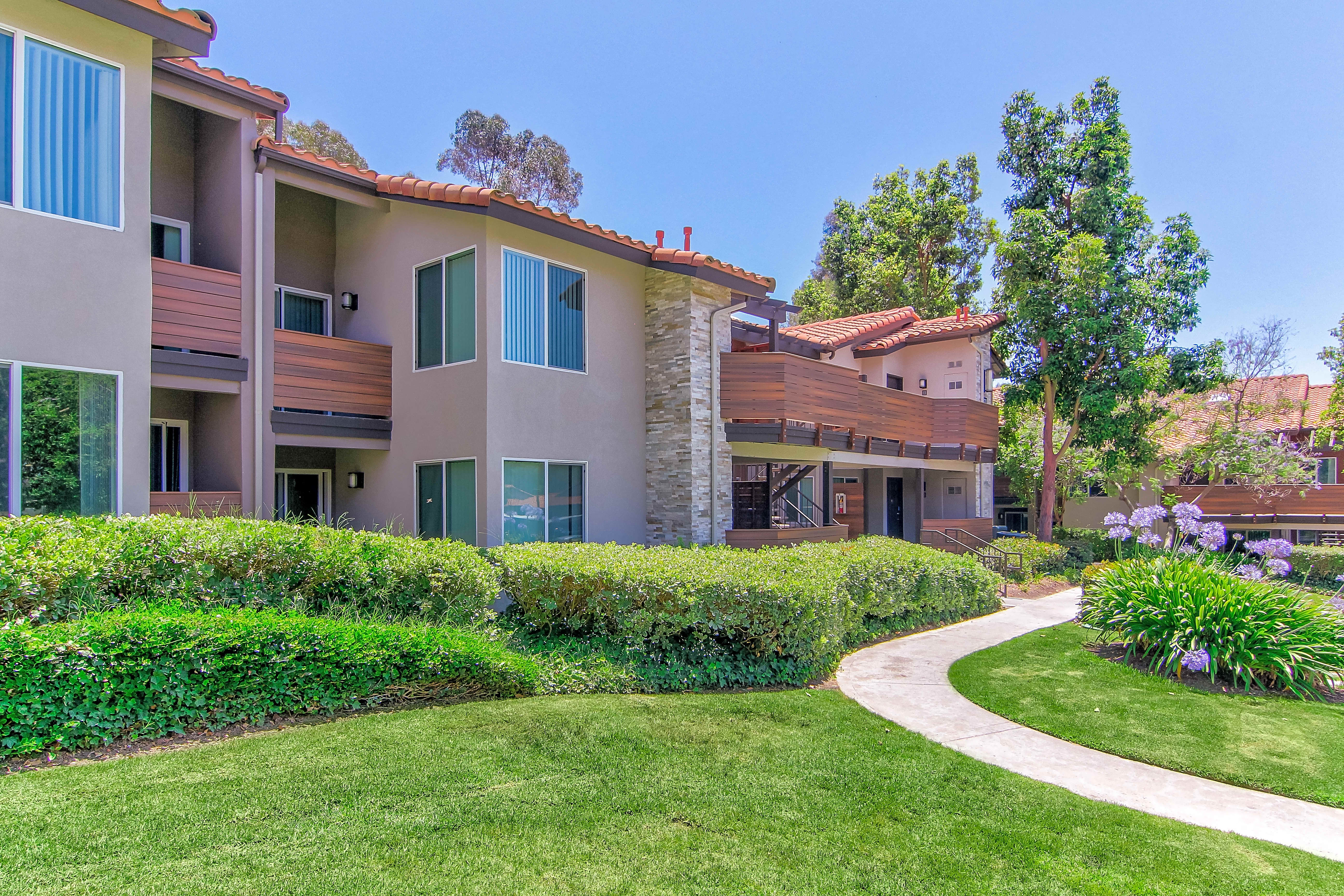 Apartments Near Saddleback Idyllwillow for Saddleback College Students in Mission Viejo, CA