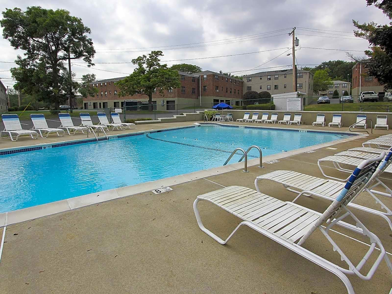 Apartments Near Siena Loudon Arms Apartments for Siena College Students in Loudonville, NY