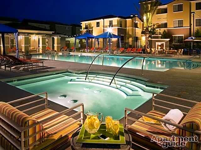 Apartments Near UNLV Chandler for University of Nevada-Las Vegas Students in Las Vegas, NV