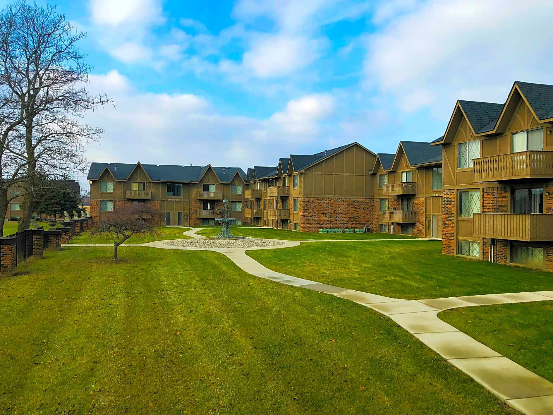 Picturesque Community- Stonehenge Gates in Flint, MI!
