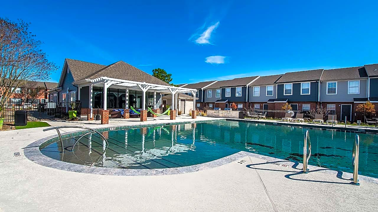 Apartments Near Texas A&M Parcside Townhomes for Texas A&M University Students in College Station, TX