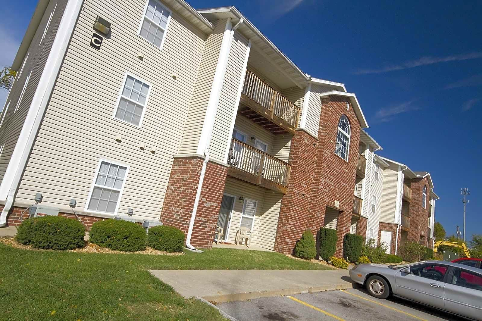 Apartments Near Forest Institute Plainview Park for The School of Professional Psychology at Forest Institute Students in Springfield, MO
