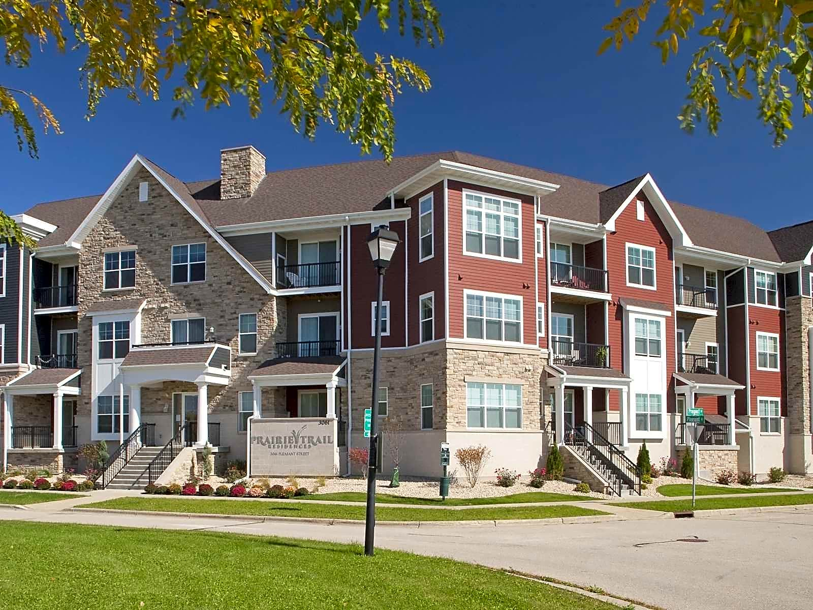 Apartments Near Herzing Prairie Trail for Herzing College Students in Madison, WI