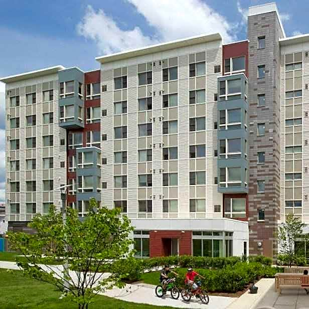 Metro Green Residences for rent in Stamford