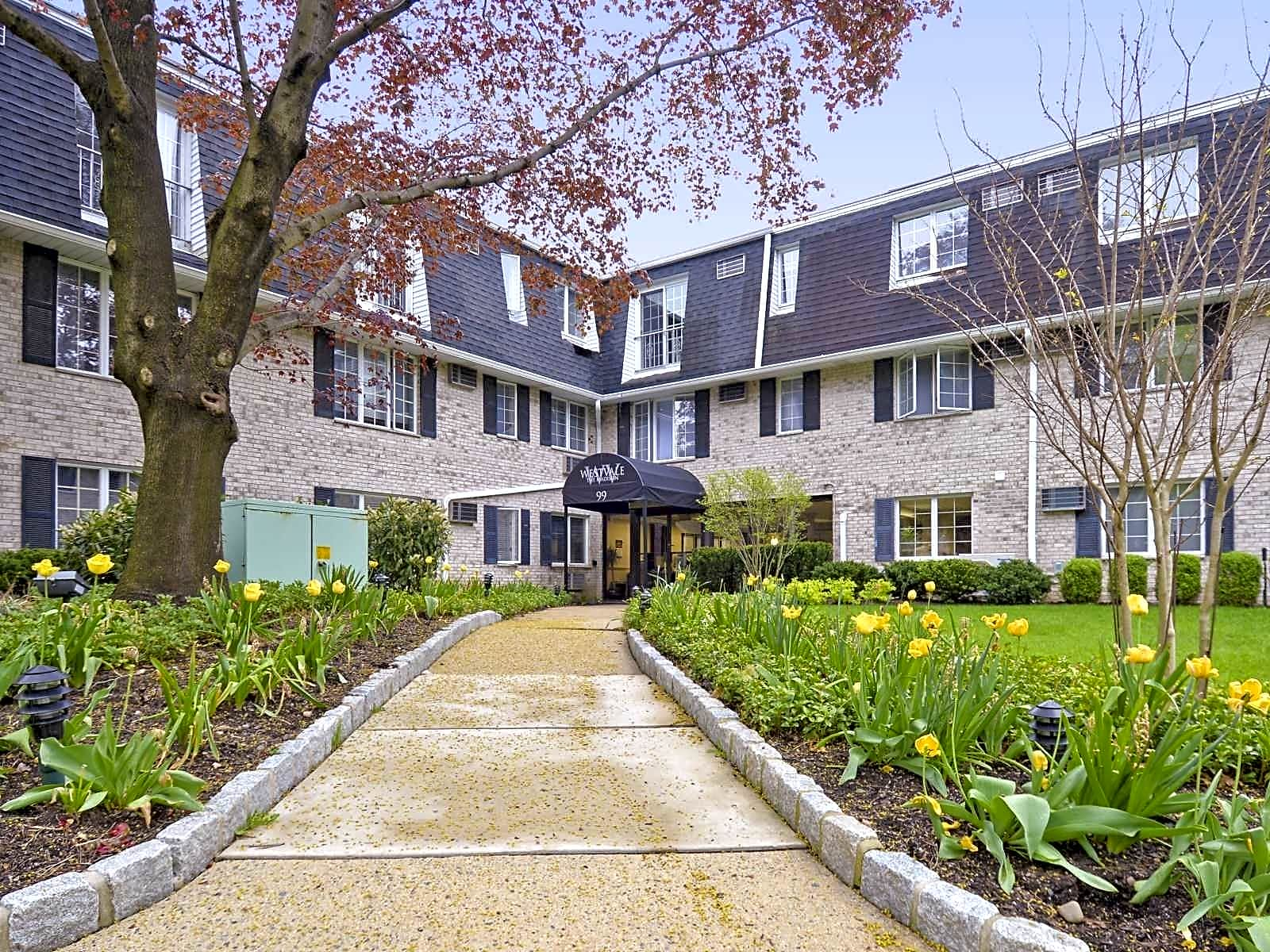 Apartments Near RCC The Madison for Rockland Community College Students in Suffern, NY