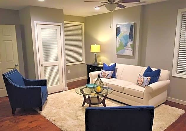 Apartments Near Southeast RiverOaks - Luxury Furnished - Corporate Housing for Southeast Missouri State University Students in Cape Girardeau, MO