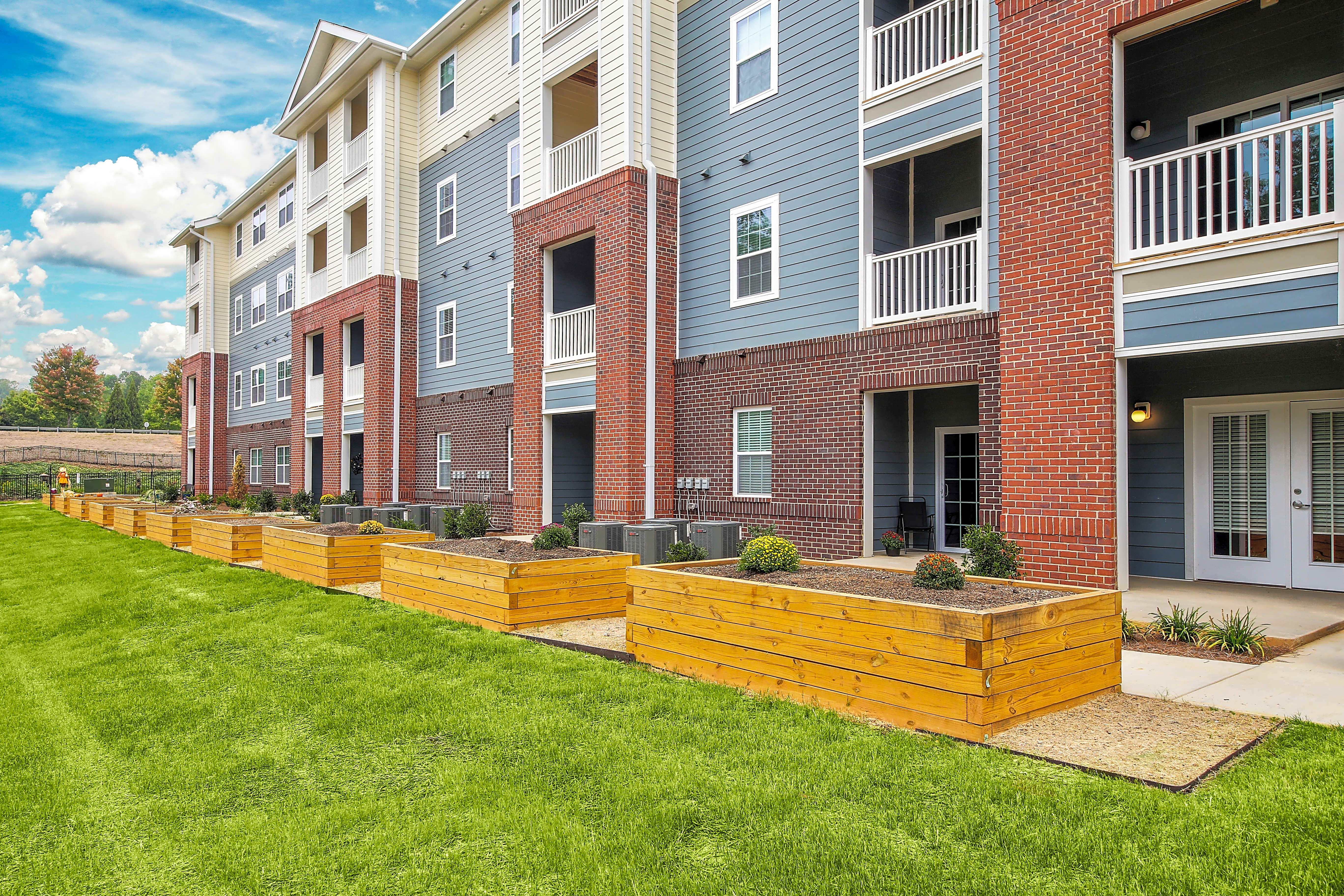 Apartments Near Belmont Abbey Loftin at Montcross Senior Apartments for Belmont Abbey College Students in Belmont, NC