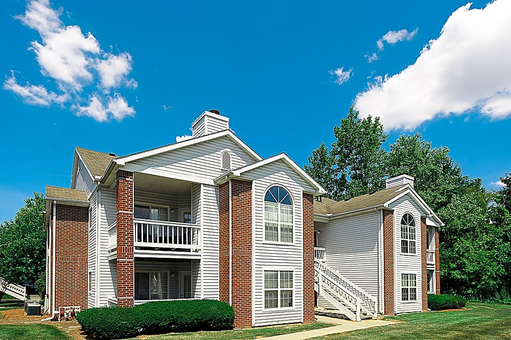 Apartments Near UT Country Club Toledo Apartments for University of Toledo Students in Toledo, OH