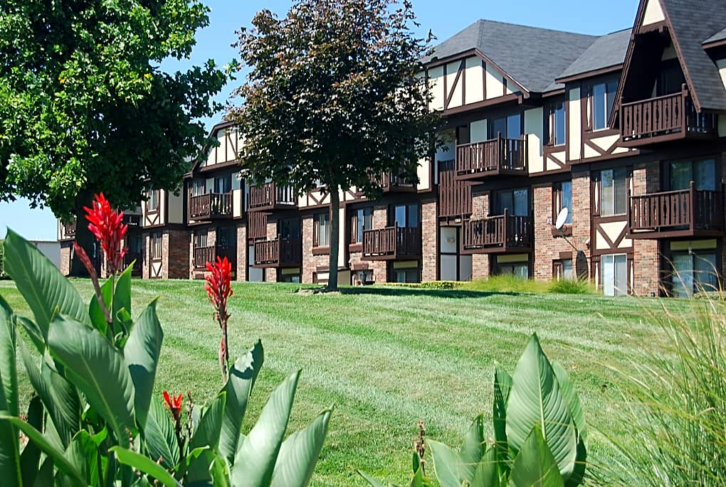 Apartments Near Missouri College of Cosmetology North Old Monterey for Missouri College of Cosmetology North Students in Springfield, MO