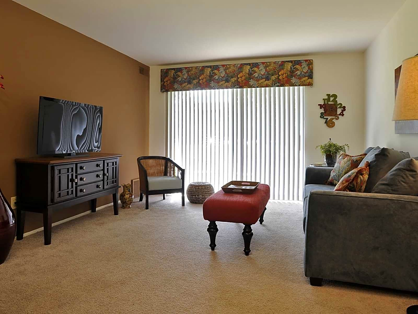Fox Pointe Apartments East Moline IL