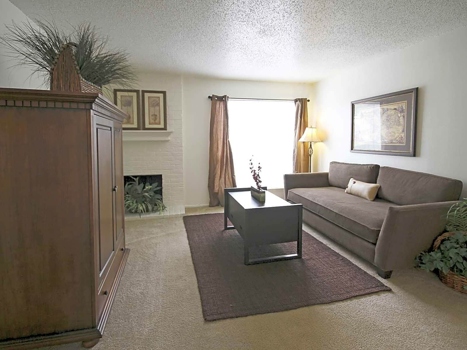 Oak Hill Apartments Tyler Tx