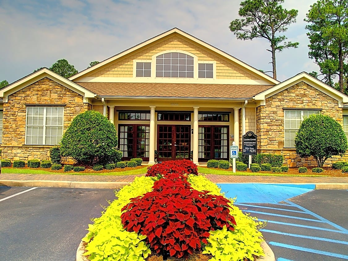 Apartments Near Spring Hill Pine Bend and The Hamptons for Spring Hill College Students in Mobile, AL