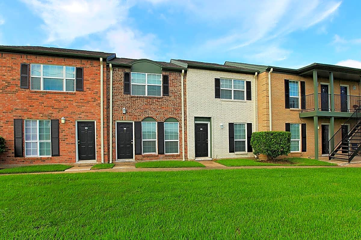 Apartments Near BC Palms Of Lake Jackson, The for Brazosport College Students in Lake Jackson, TX