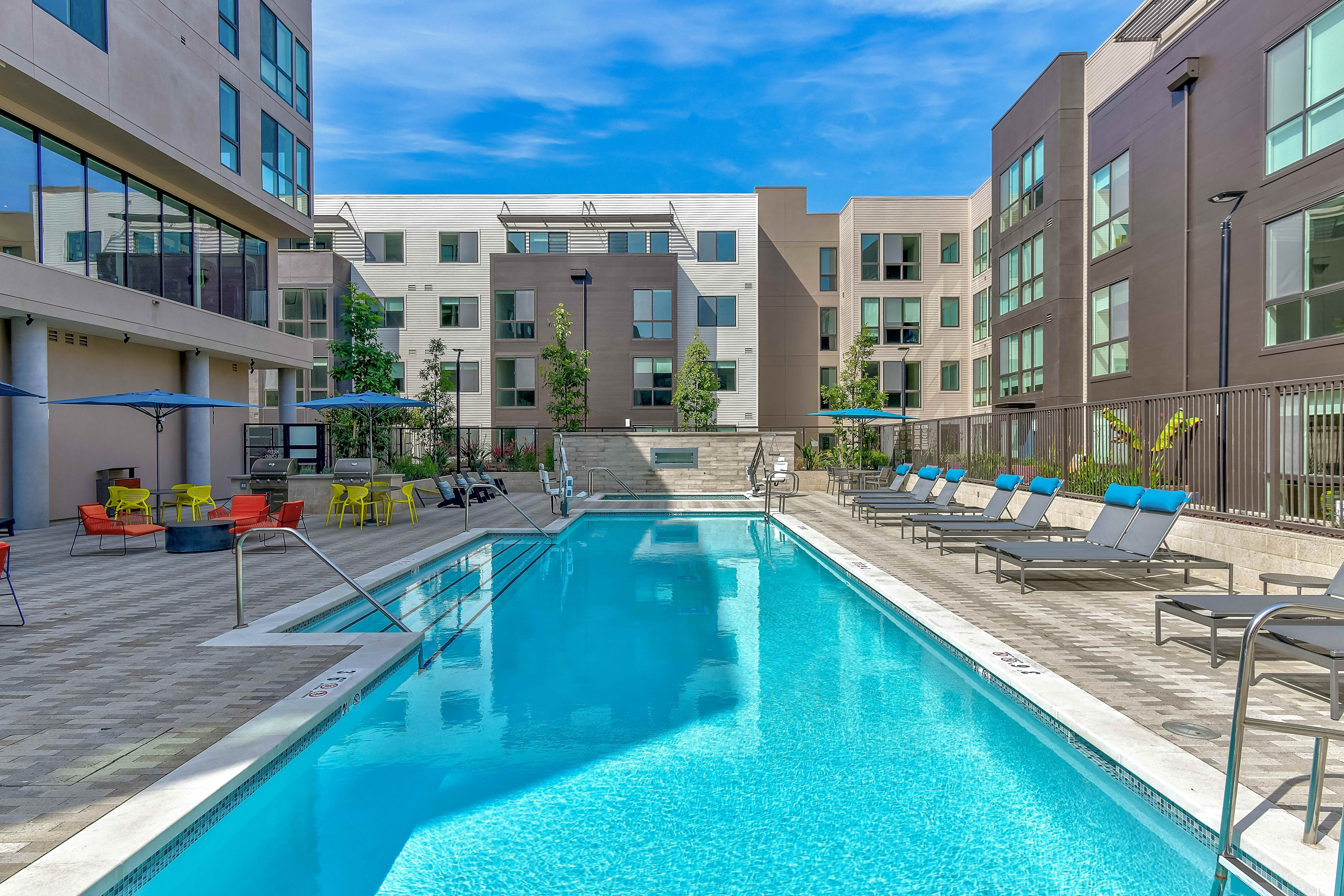 Apartments Near Foothill Novo for Foothill College Students in Los Altos Hills, CA
