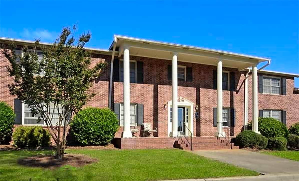 Apartments Near GCSU Carrington Woods for Georgia College & State University Students in Milledgeville, GA