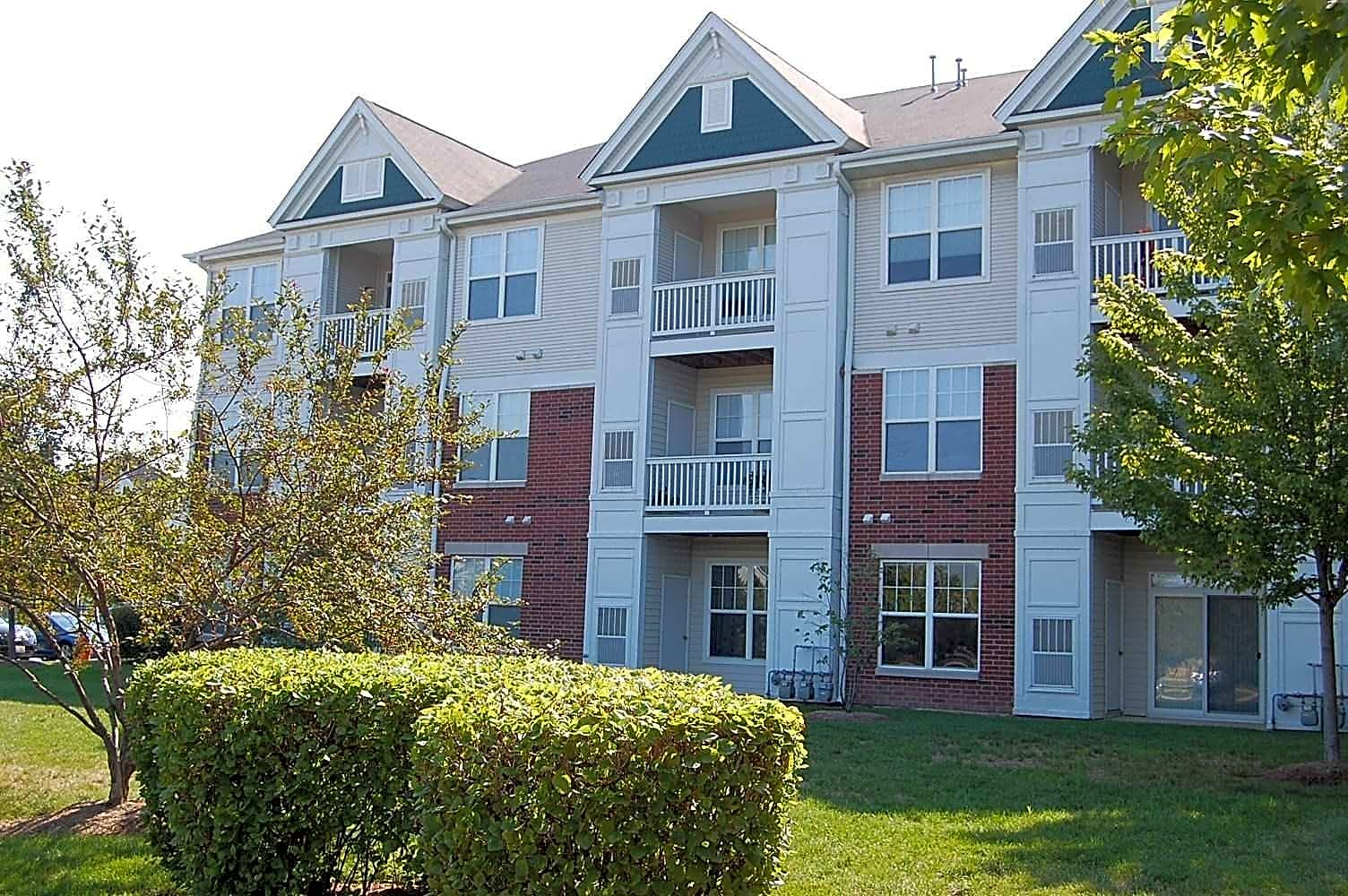 Apartments Near Downtown Naperville