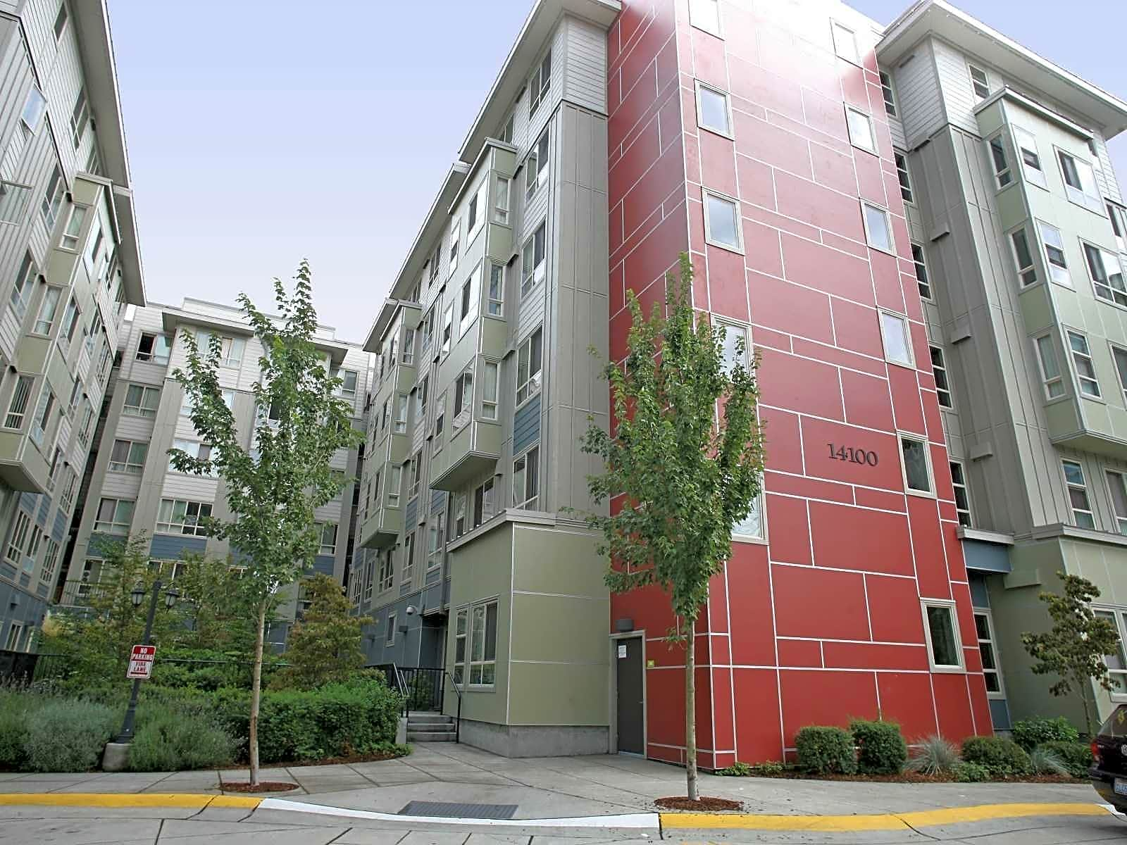 Tressa apartments seattle wa 98133 for Art institute of seattle parking garage