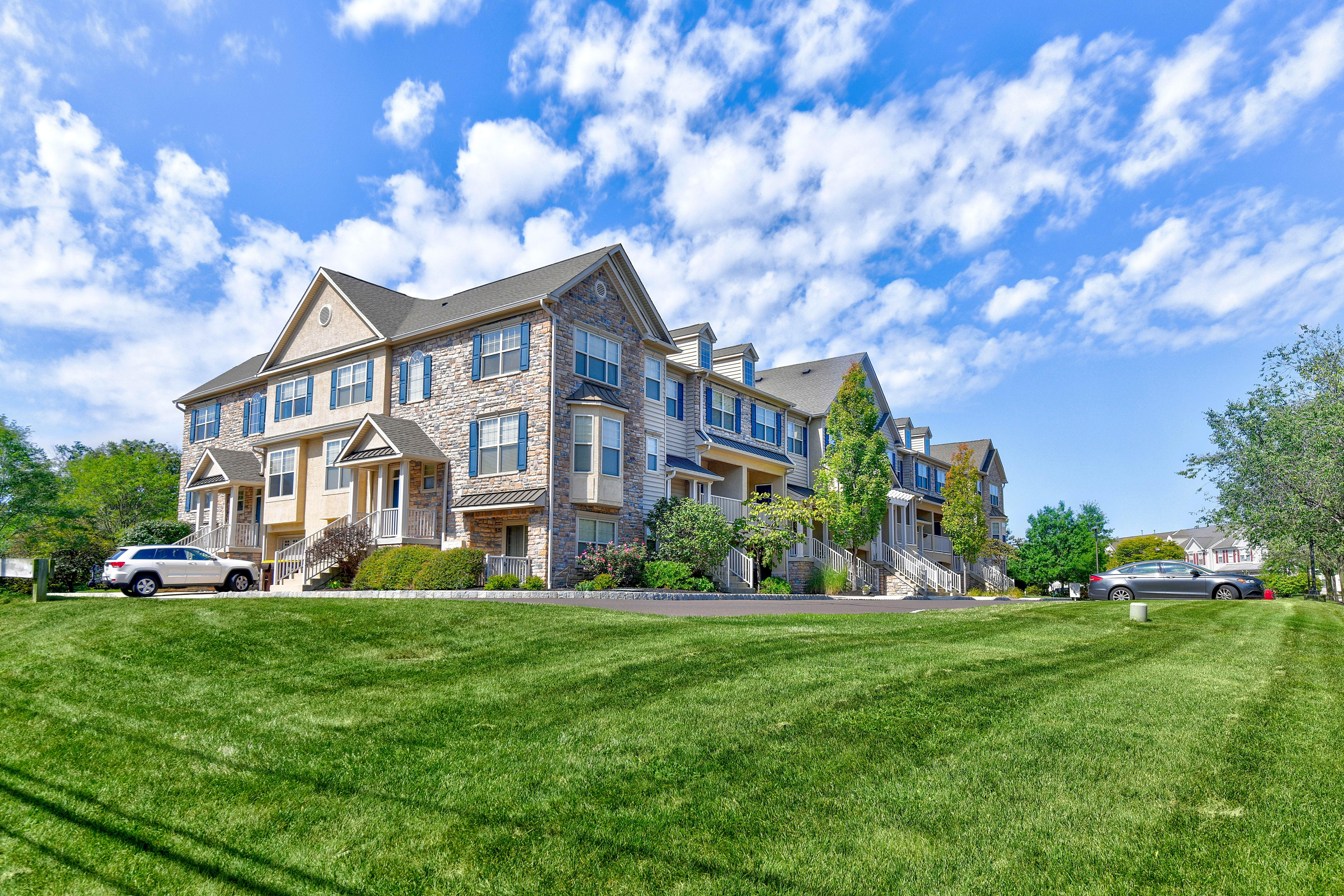 Apartments Near DelVal Heritage Pointe for Delaware Valley College Students in Doylestown, PA