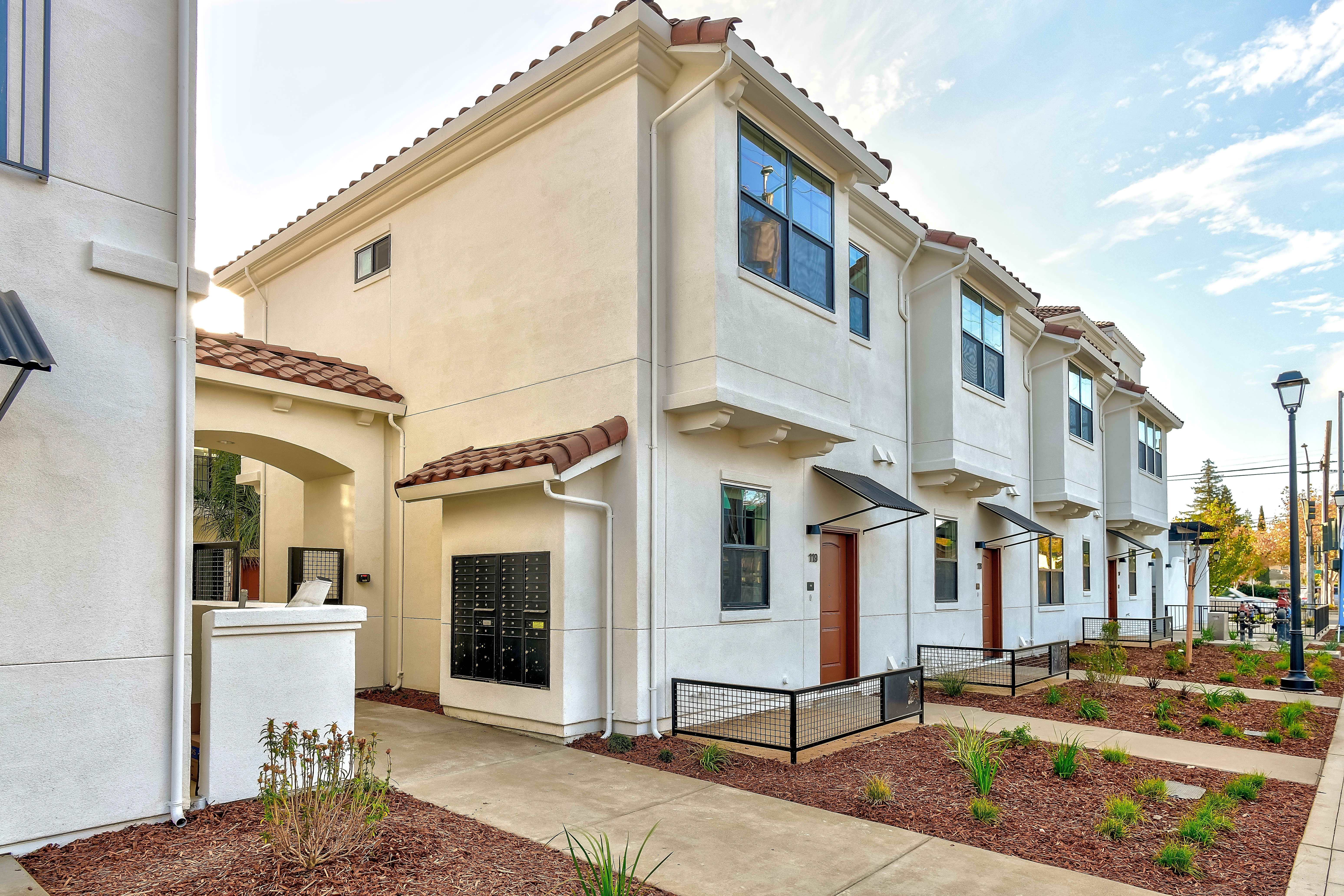 Angelino Luxury Apartment Homes