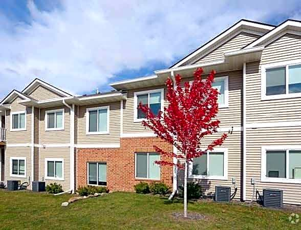 Apartments Near Kaplan University-Des Moines Campus Adam Ridge for Kaplan University-Des Moines Campus Students in Urbandale, IA