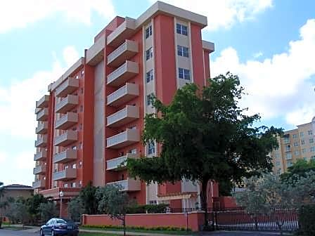 The Gables Corinthian Plaza for rent in Coral Gables