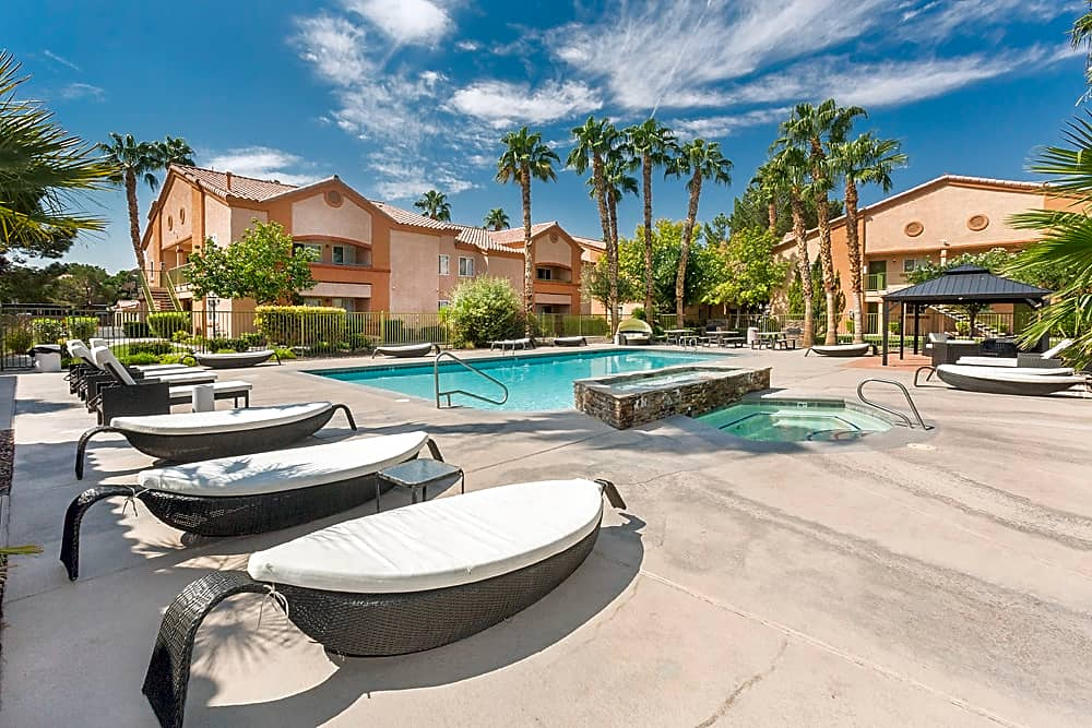 Apartments Near UNLV Mesa Verde for University of Nevada-Las Vegas Students in Las Vegas, NV