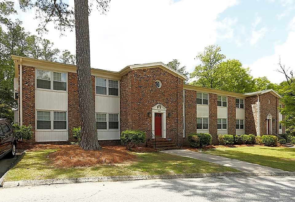 Apartments Near Fayetteville Morganton Arms Apartments for Fayetteville Students in Fayetteville, NC