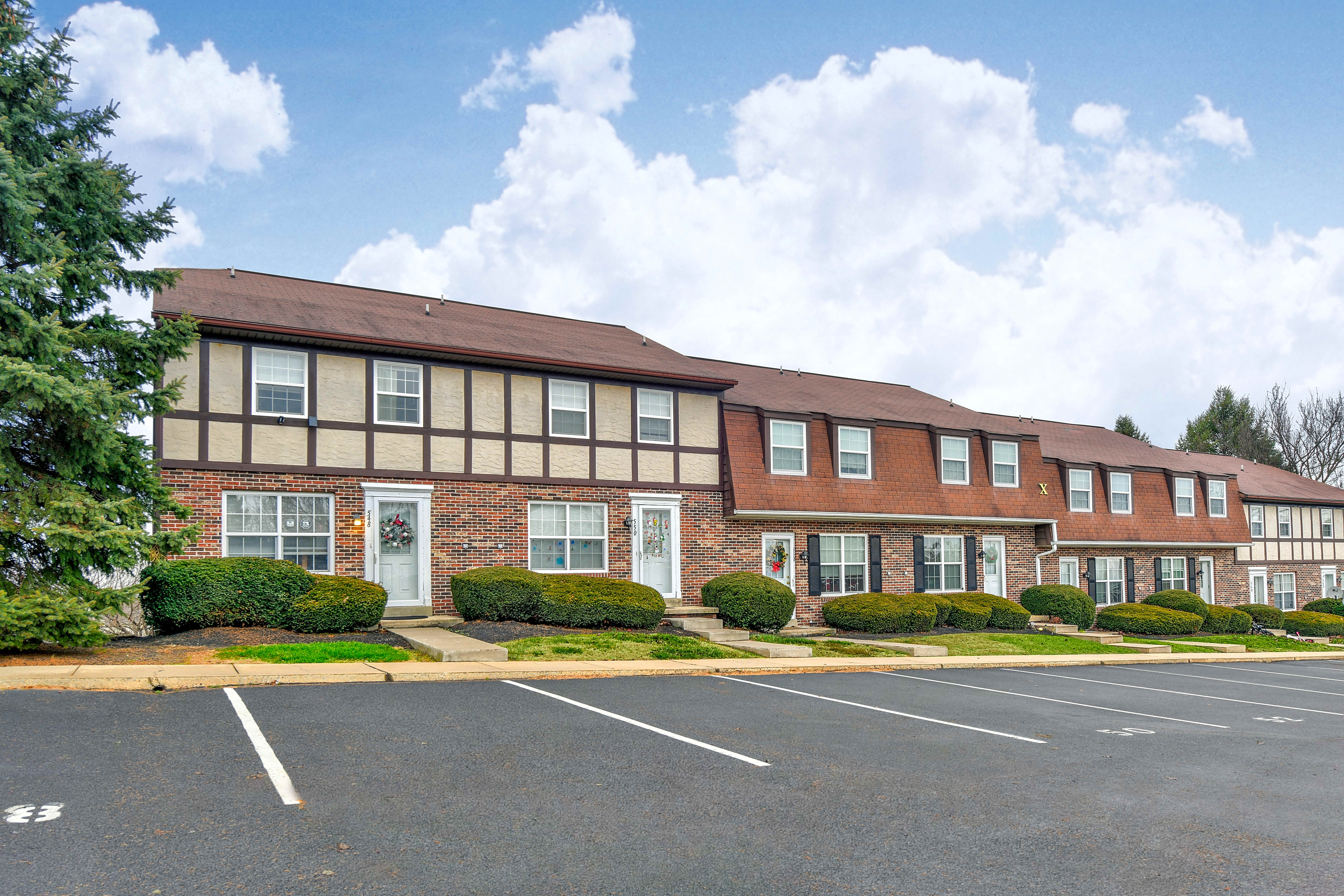 Apartments Near F & M Belair Townhomes for Franklin & Marshall College Students in Lancaster, PA