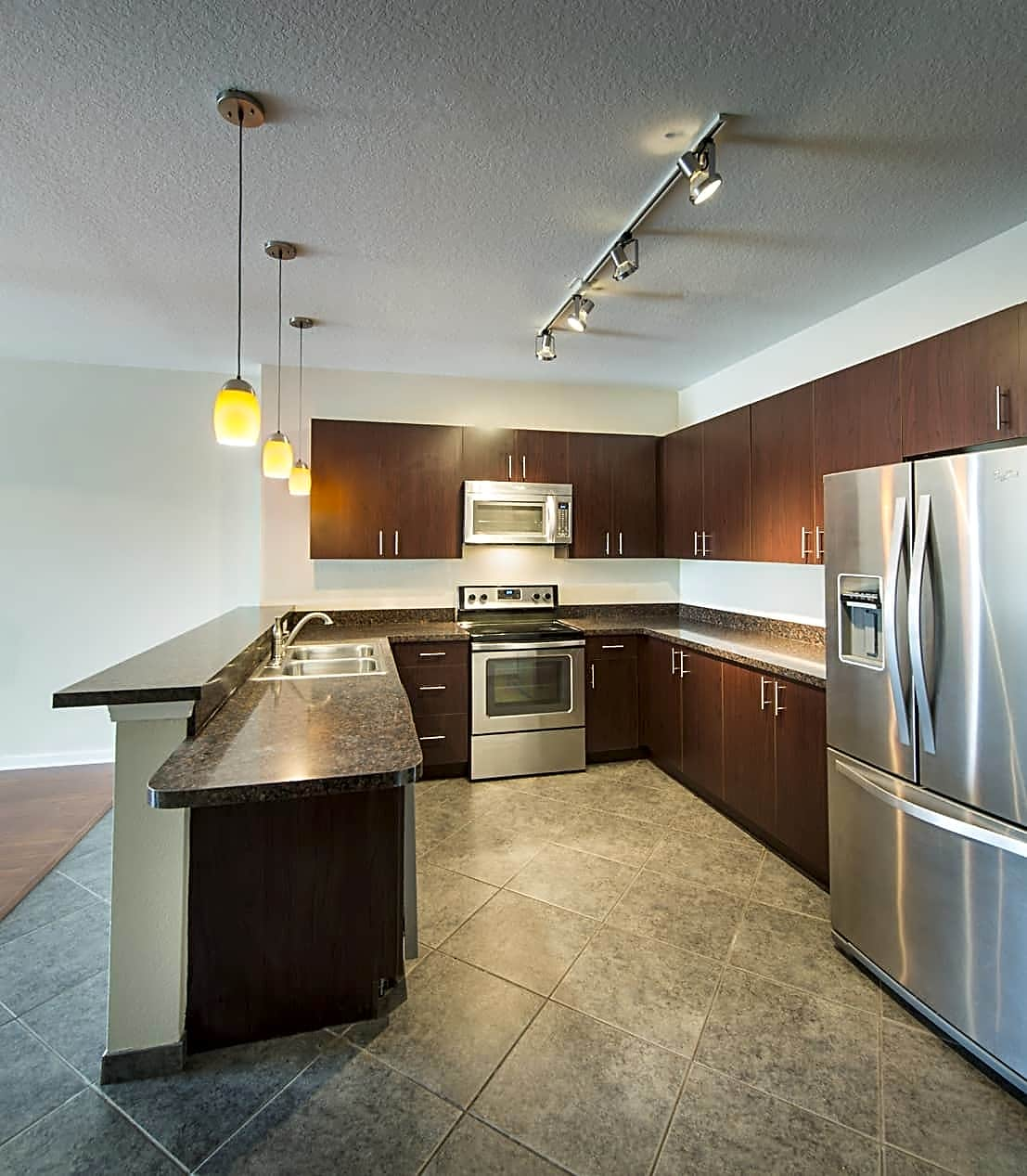 together lovely tampa style fl usf near exterior bedroom apartments iq in student with one