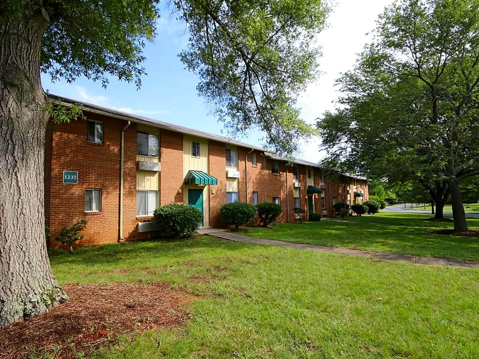 Pressley Ridge Apartments Charlotte North Carolina